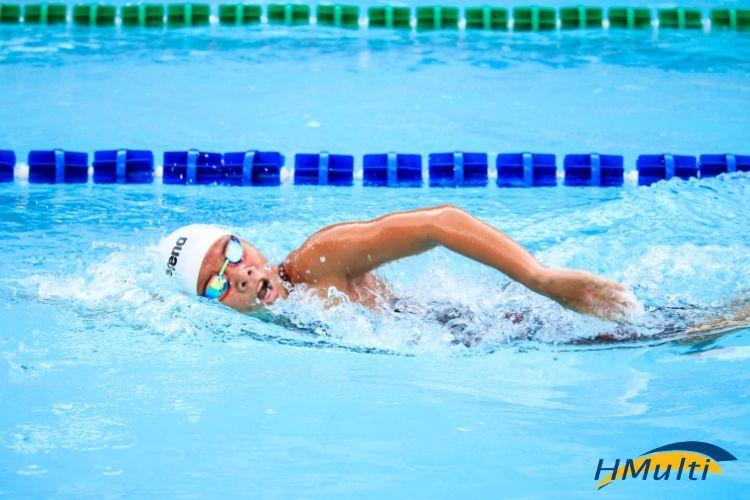Podologia no esporte: A importância dos cuidados com os pés na natação